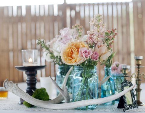 rustic table setting with antlers